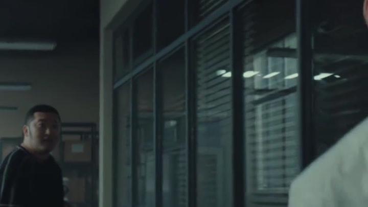 《沉默的真相》牛超飾演的小馬警官也是鮮活立體,而且是原音臺詞、演技自然